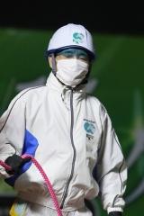 200417 川崎9R 森下博厩務員-03