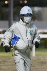 200417 川崎9R 森下博厩務員-09