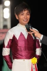 200413 川崎競馬 優勝競走馬・厩舎関係者表彰-03 山崎誠士騎手