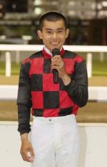 200612 古岡勇樹騎手初勝利-03