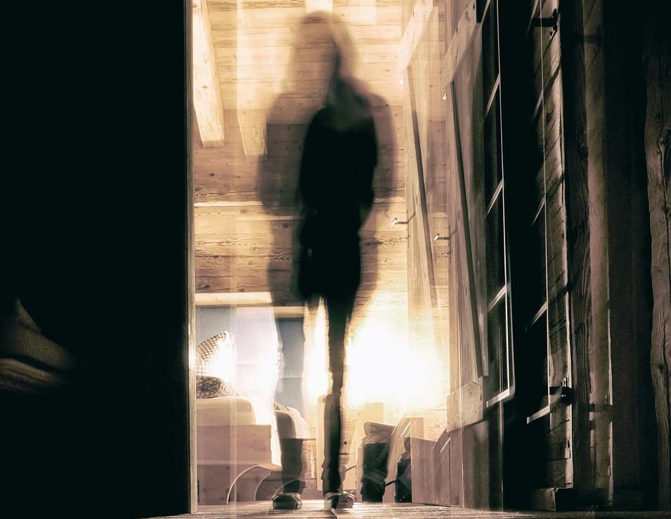 幽霊を引き寄せる人 by占いとか魔術とか所蔵画像