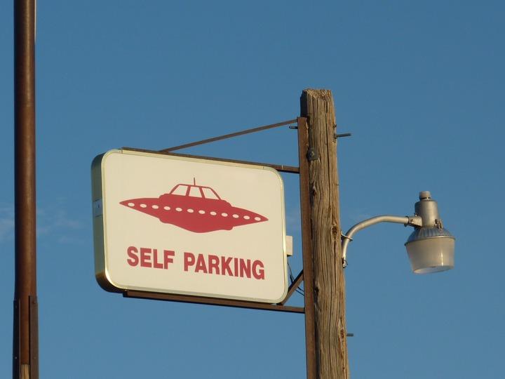 parking-advertising-sign-park-street-light-street-sign-1001553-pxhere-com.jpg