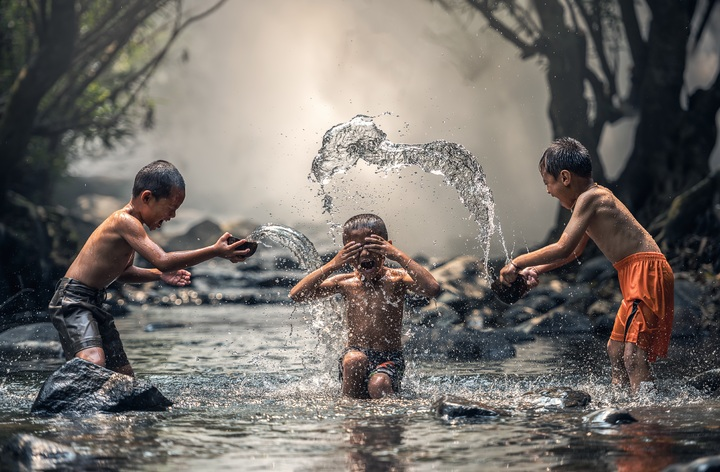 water-outdoor-people-sunset-play-view-1271081-pxhere-com.jpg