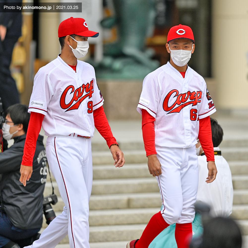 迎コーチと矢野雅哉選手