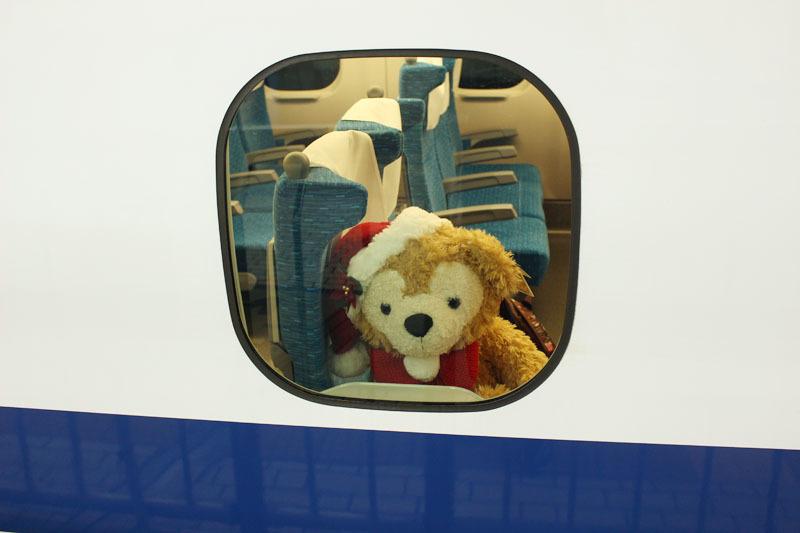 ひかり537 1号車の窓に Duffy 191204