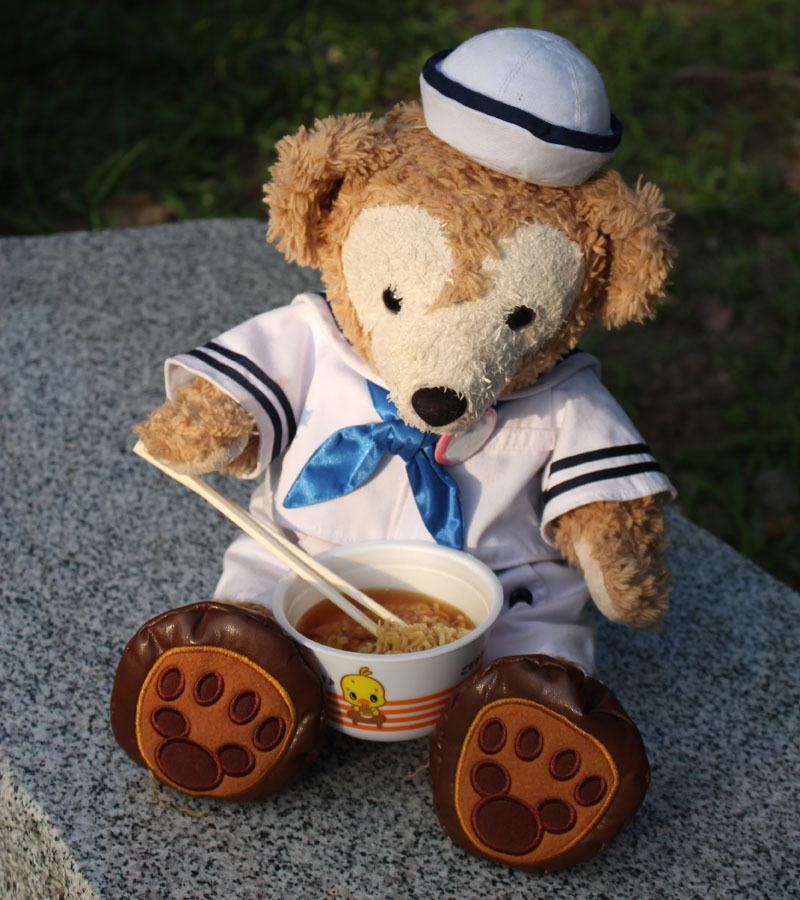試食のチキンラーメンを 駿府城公園 Duffy 170819