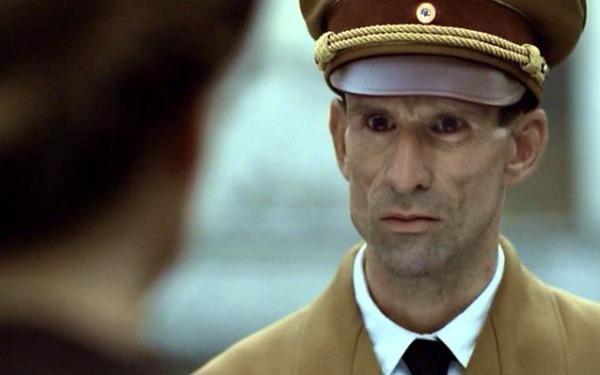 「若かったというのは言い訳にならない」     「ヒトラー最後の12日間」(2004年・ドイツ、オーストリア、イタリア映画) サムネイル画像