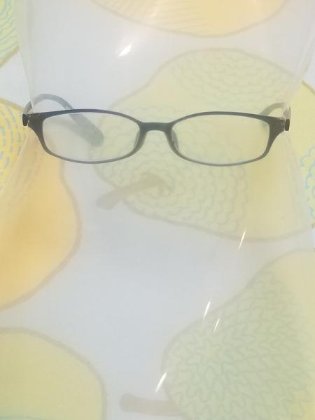 フェイスガードはクリリアファイルと眼鏡があれば簡単に作れます。 サムネイル画像