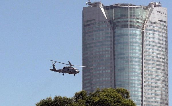 「米軍ヘリが六本木で離着陸訓練」by 毎日新聞(2021年3月3日) サムネイル画像