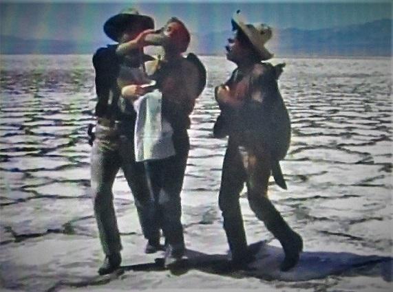 映画「3人の名付親」「泣きぬれた天使」 (10)