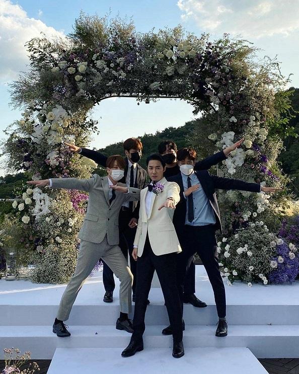 ジニ結婚式