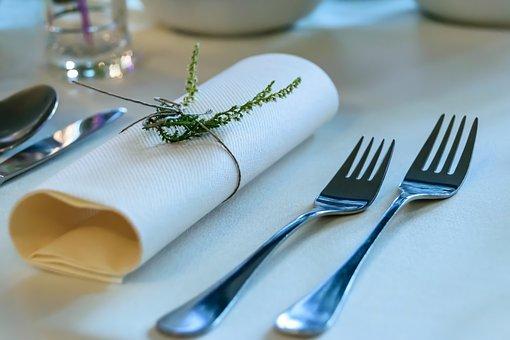 elegant-tableware-1668370__340.jpg