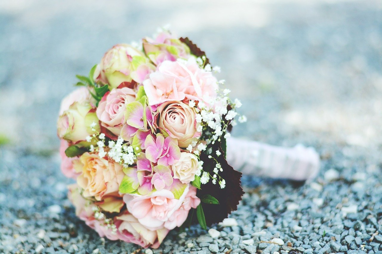 bridal-bouquet-2525992_1280.jpg