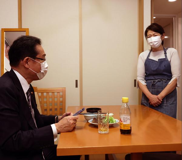 岸田文雄政調会長 奥さん 料理