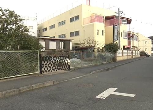 広島市西区 人身事故 バック中の車