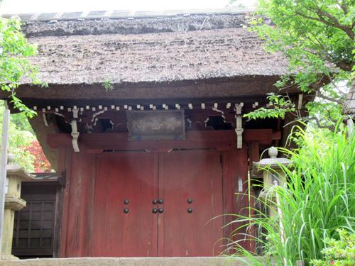 閉門中の深大寺