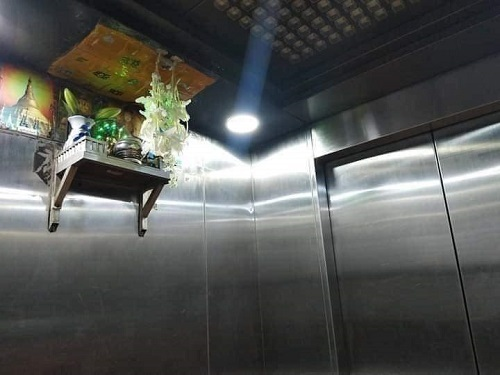 魔のエレベーター