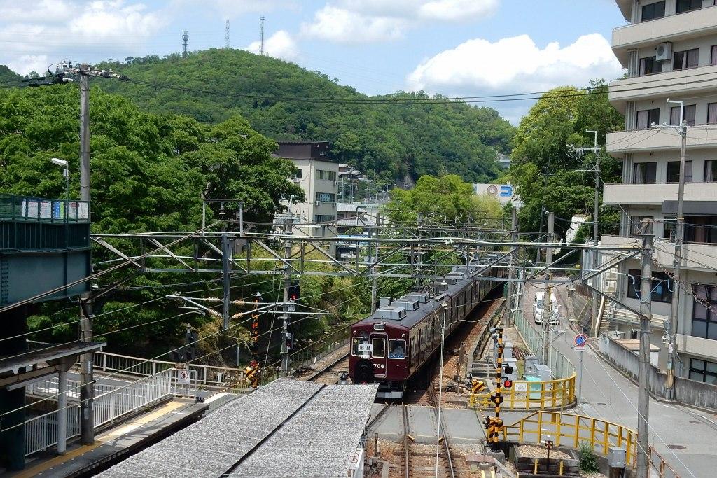 能勢電鉄 332