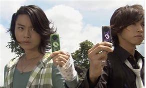 「仮面ライダー ダブル」フィリップ役の菅田将暉さん(左側)