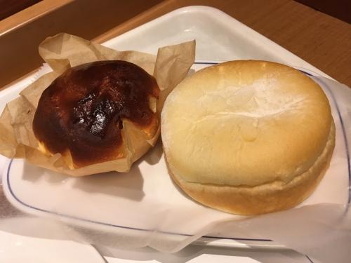 バスクチーズケーキ風パン・リンゴとチーズのふんわりソフト