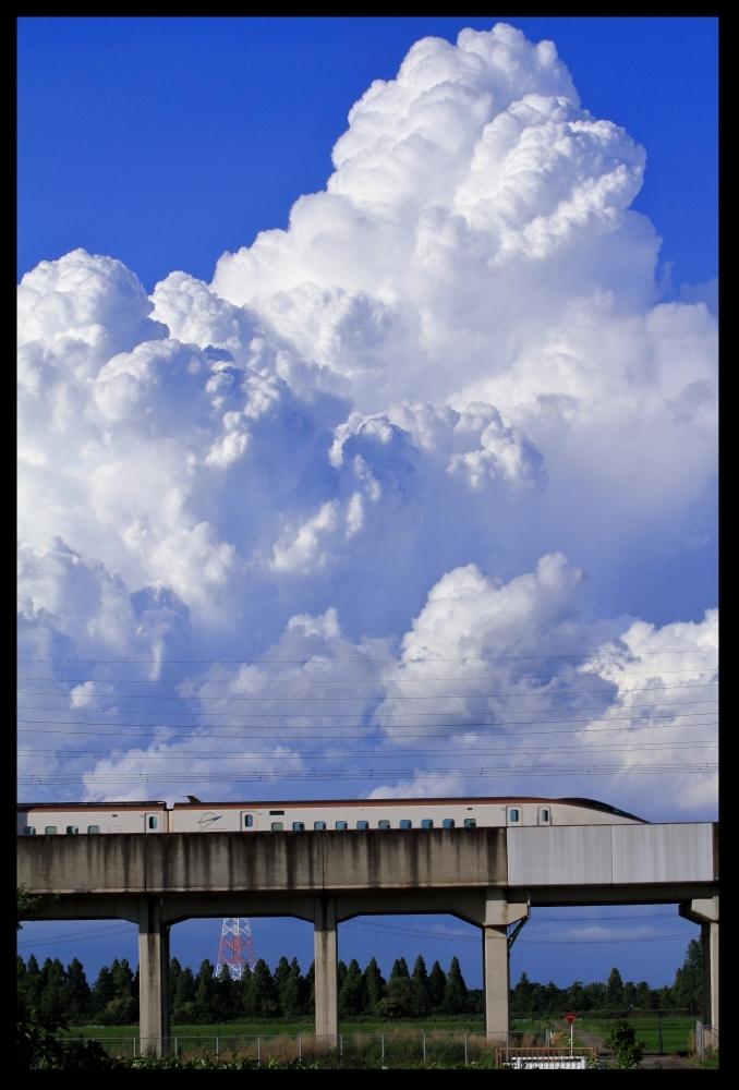 入道雲とE7