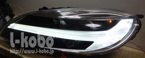 ボルボV40のヘッドライト