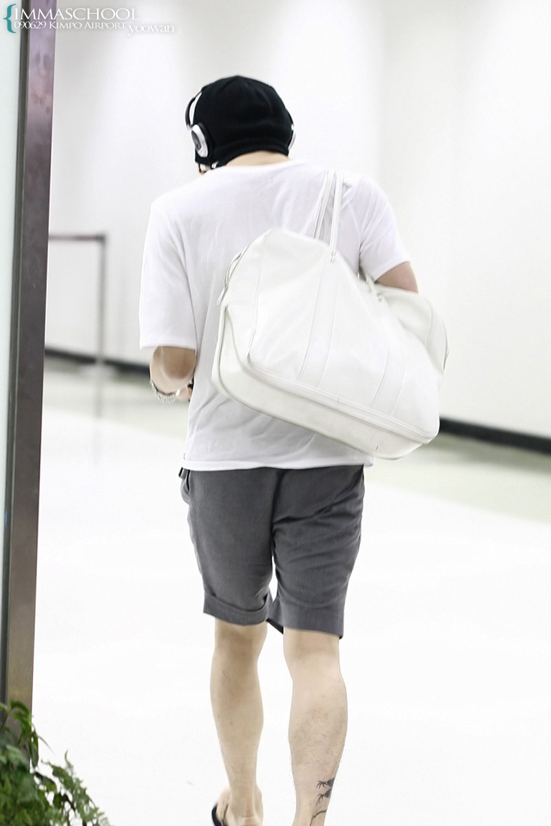 090629_tvxq_airport-2_yuchun_03.jpg