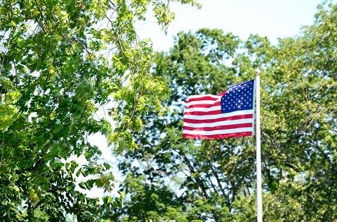 201127 たなびくアメリカの星条旗