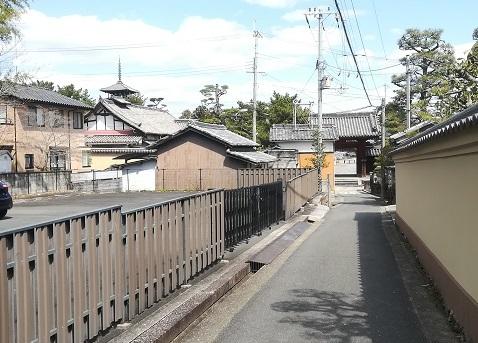 11 法隆寺 西側の門