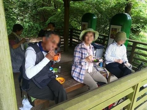 13 六甲高山植物園・東屋で昼食