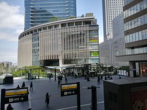 1 大阪駅からグランテロント大阪方面