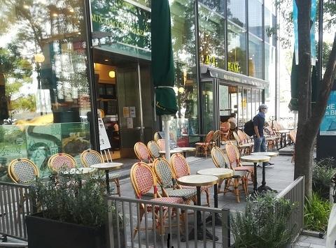 3b オープンカフェ