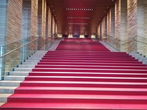 10 フェスティバルホール・階段
