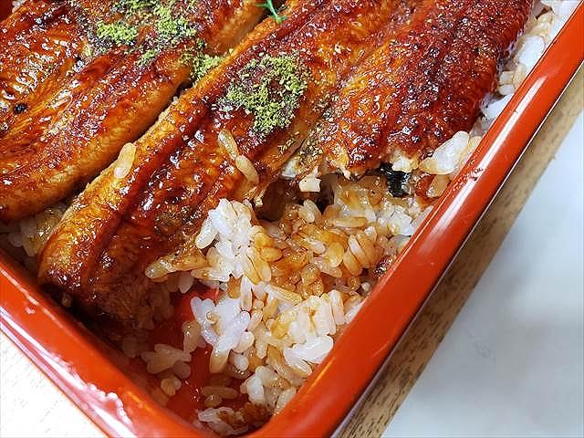 20200324_112512_R カタメに炊かれたお米がいい、皮目もしっかり焼かれてる