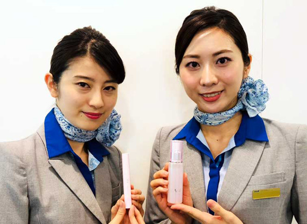 ANAは、マンダムと共同で、客室乗務員の声を生かしたスキンケア製品を販売!