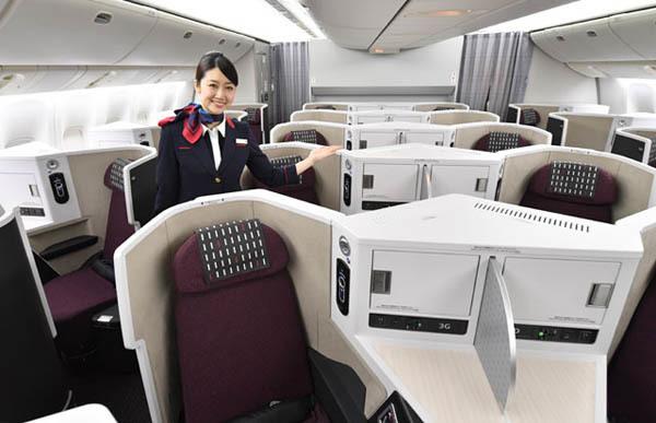 JALは、国内線にフルフラットシート「スカイスイートIII」を導入、普通運賃にプラス1,000円で利用可能!