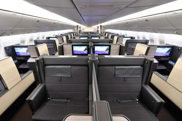 ANAの普通席料金で利用できるビジネスクラスが話題、ファーストクラスはプレミアムクラス扱い!
