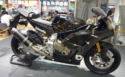 BIMOTA BB3スーパーバイクレーサーBMW S1000RR用999cc直列4気筒エンジンKUSHITANI CAFE清水店クシタニカフェ国道52号線静岡市清水区小河内NEOPASA清水ぷらっとパーク