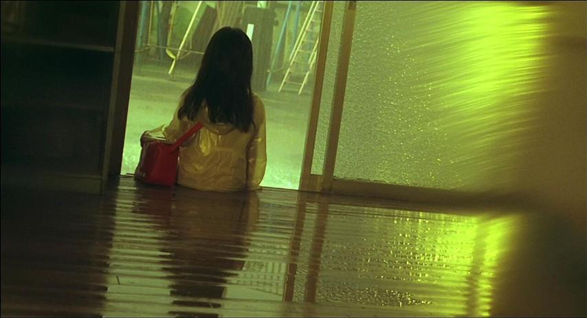 Dark-Water-Blu-ray-10.jpg