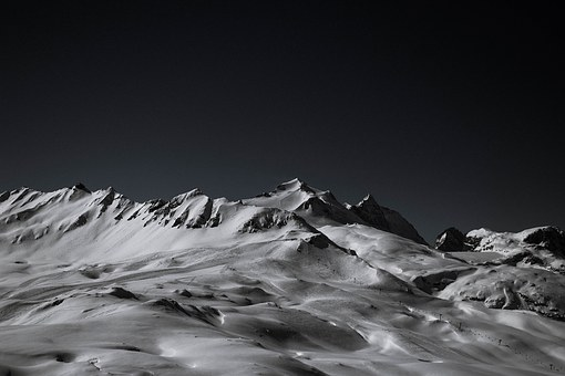 mountains-1245915__340.jpg