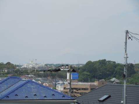 神奈川区三牧町から見た富士山a