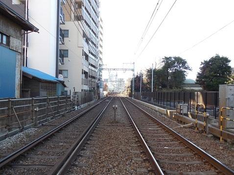京急本線の生麦第三踏切道@横浜市神奈川区e