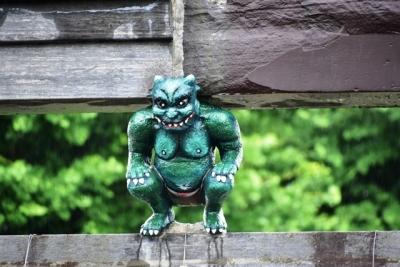 ゴジラみたい緑色の鬼コ