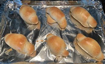 bread08032001.jpg