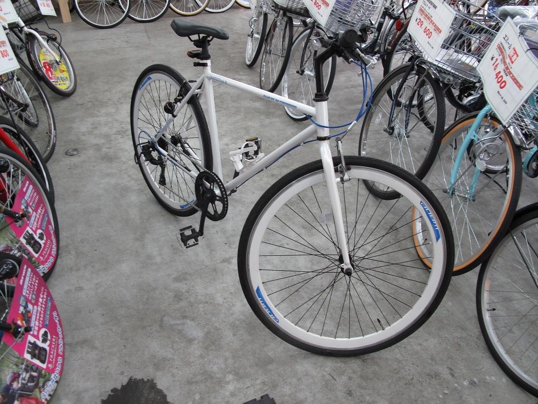 白色クロスバイク