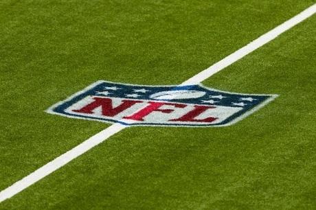 20201009フィールド上のNFLのロゴ
