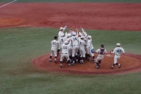 20201108優勝を決めた早稲田大学野球部