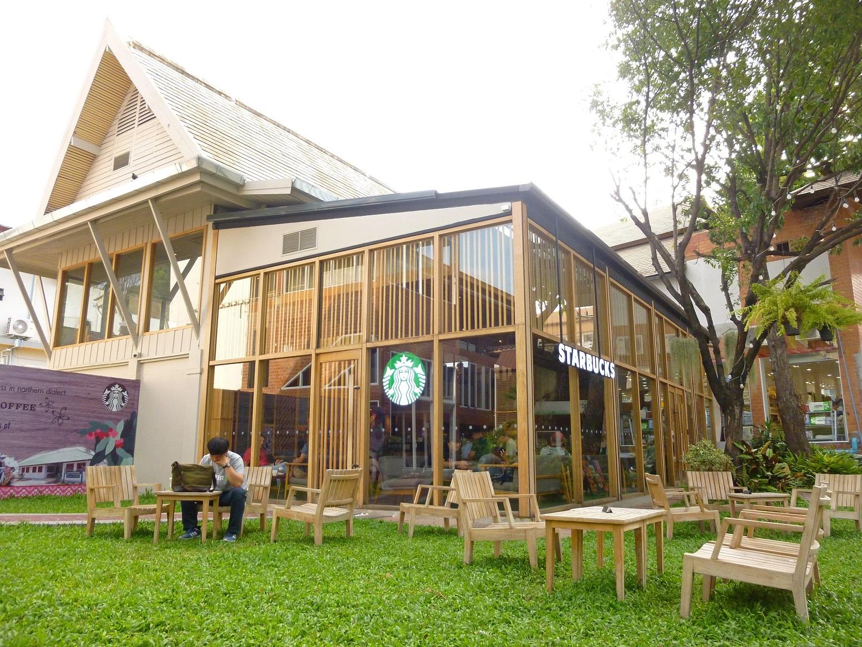 チェンマイのニマンヘミンにある人気ノマドカフェ・スポット!おすすめのスタバ2