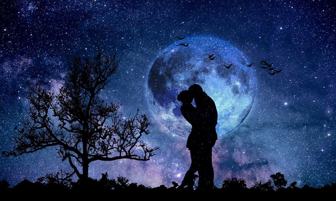 moon-3059324_1280.jpg