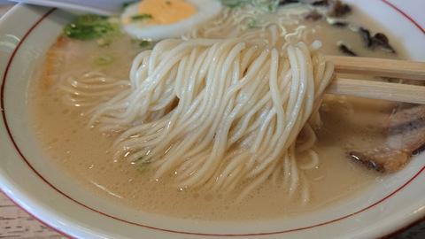博多ラーメン亭(麺)